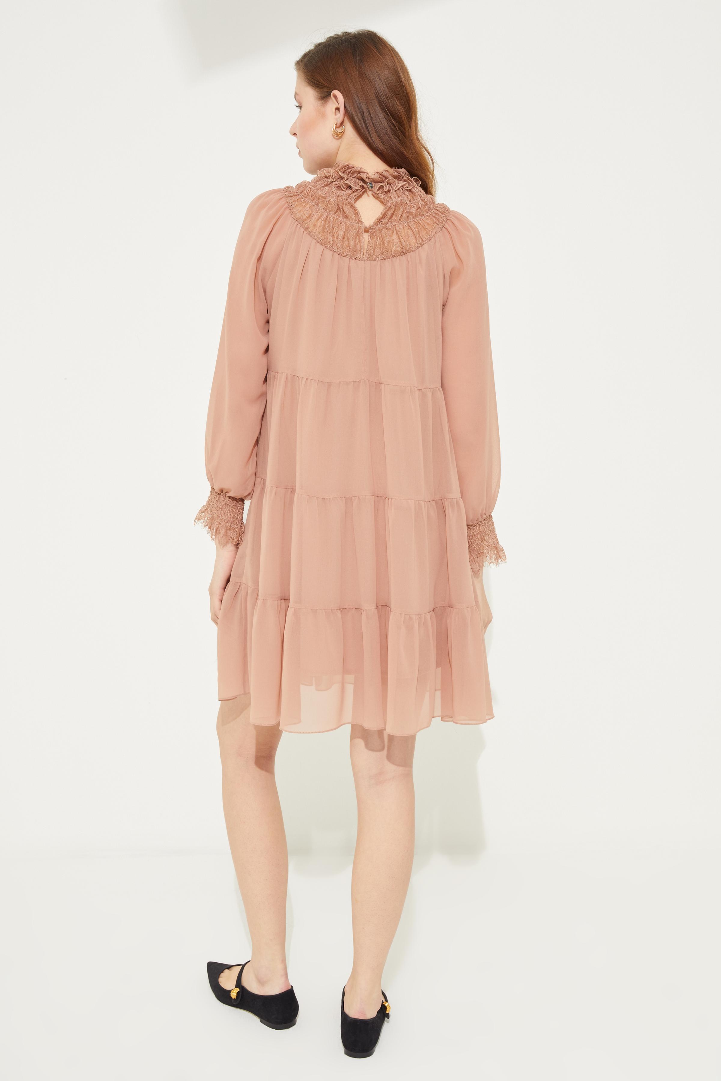Yakası Dantel Büzgülü Şifon Mini Elbise